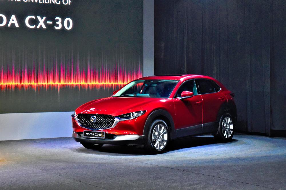 2020 New Mazda CX-30: Gorgeous, refined 'in-betweener'