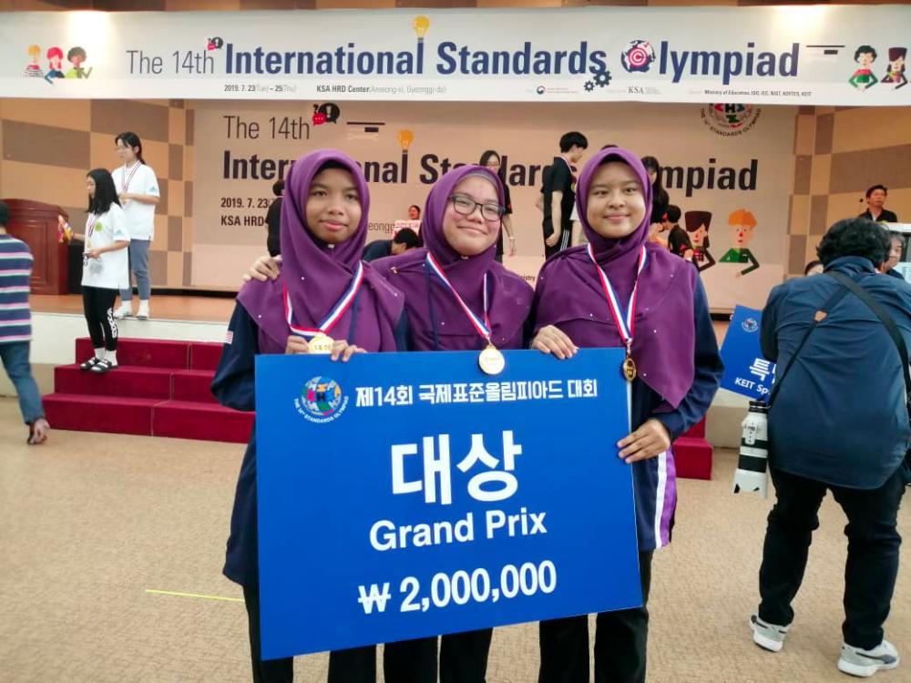 Malaysian students win top award in South Korea