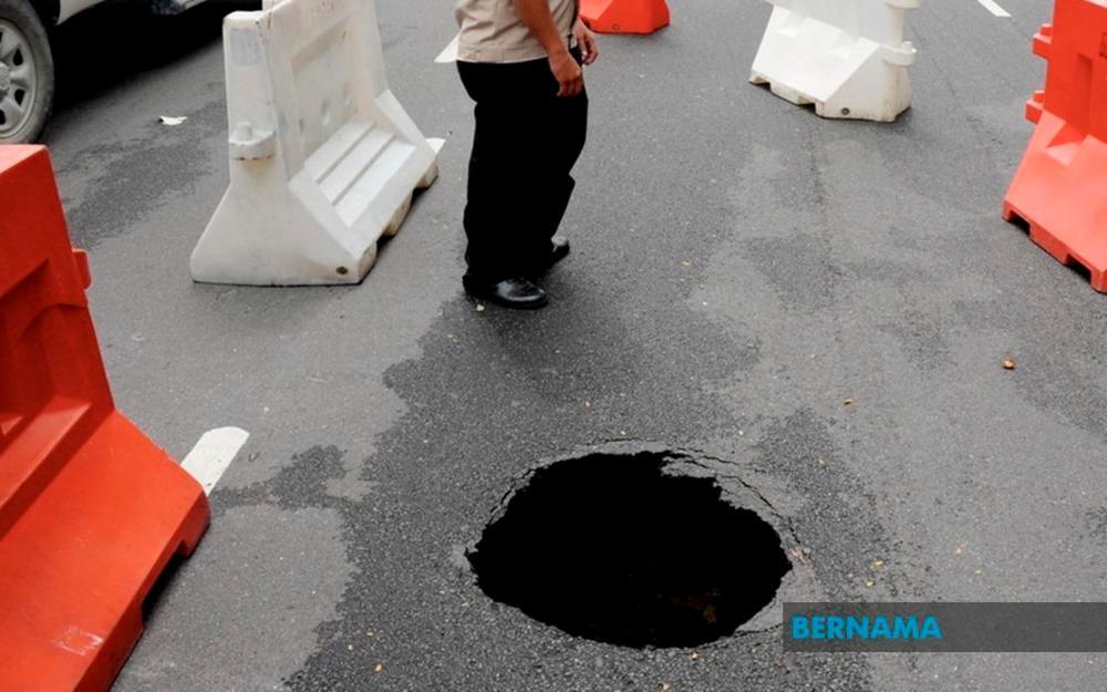 'DBKL potholes complaint' WhatsApp eases channelling complaints of road damages