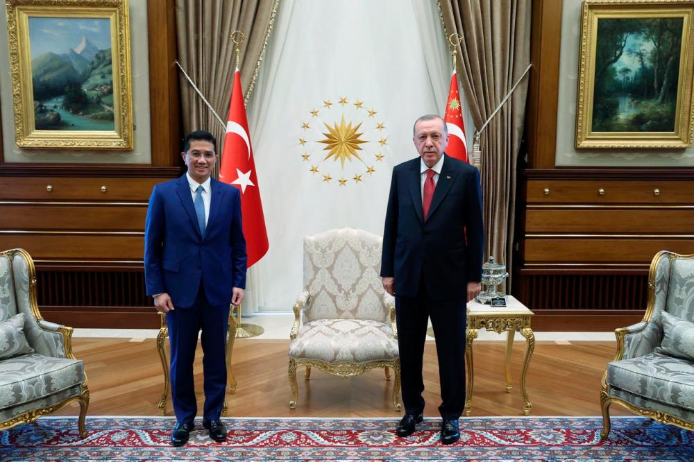 Senior Minister and Minister of International Trade and Industry Datuk Seri Mohamed Azmin Ali paid a courtesy call on the President of the Republic of Turkey Recep Tayyip Erdogan today at the Presidential Complex.-Bernama