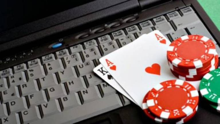 PDRM busts online gambling call centre in Nilai