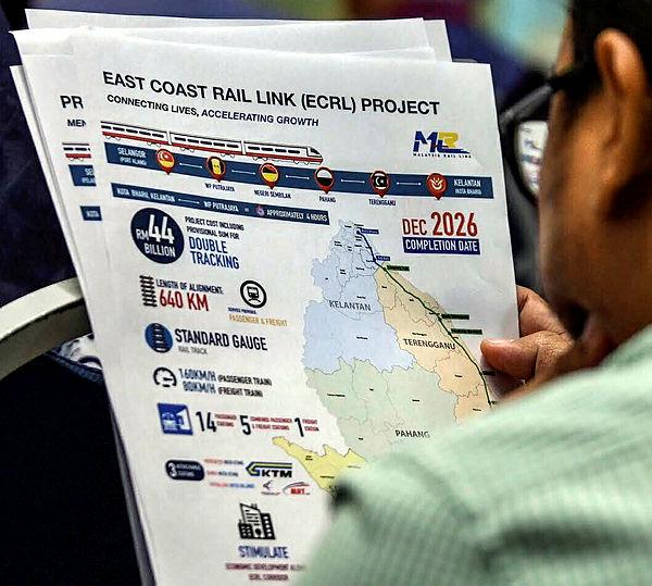 Filepix shows Prime Minister, Tun Mahathir Mohamad, at a press conference on East Coast Rail Link (ECRL) at Perdana Putra, Putrajaya..