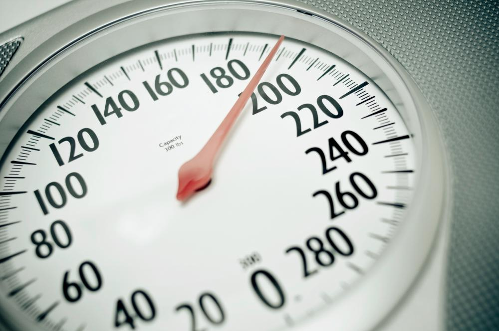 Gaining weight as we age could speed up a decline in lung capacity, according to new research. © Tsuji/Istock.com