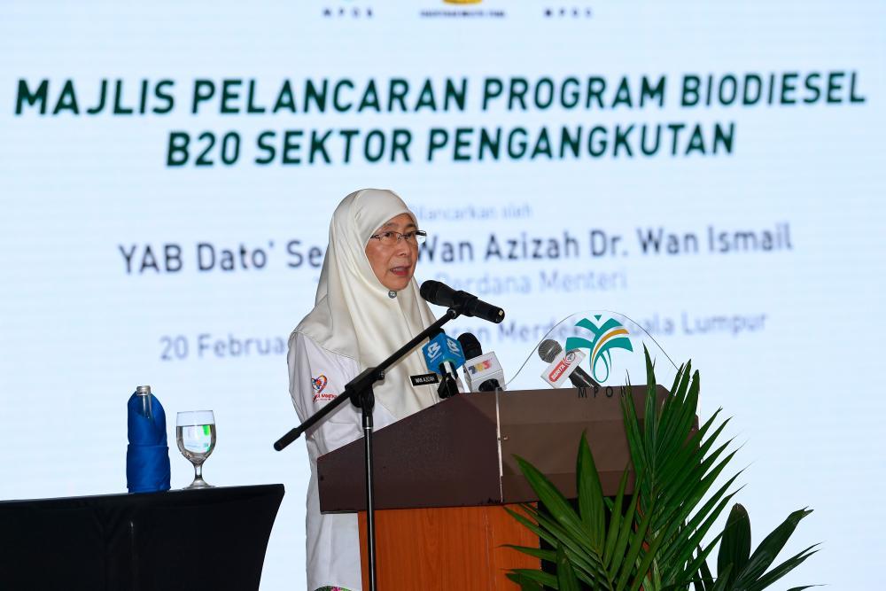 Deputy Prime Minister Datuk Seri Dr Wan Azizah Wan Ismail delivers her speech during the launch of the National Biodiesel B20 Programme at Dataran Merdeka today. - Bernama