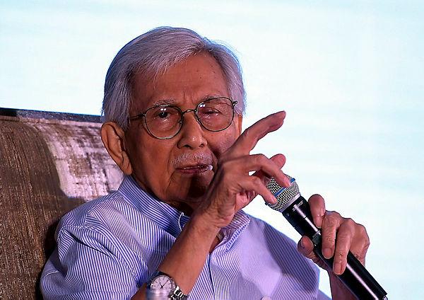 Former Finance Minister Tun Dr Abdul Daim Zainuddin speaks during the 29th Tunku Abdul Rahman Lecture in Kuala Lumpur yesterday. — Bernama