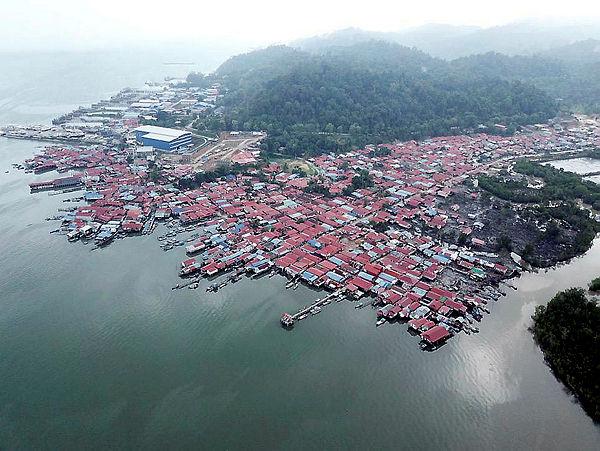 A view over the Bukit Malut settlement, Langkawi. — Bernama