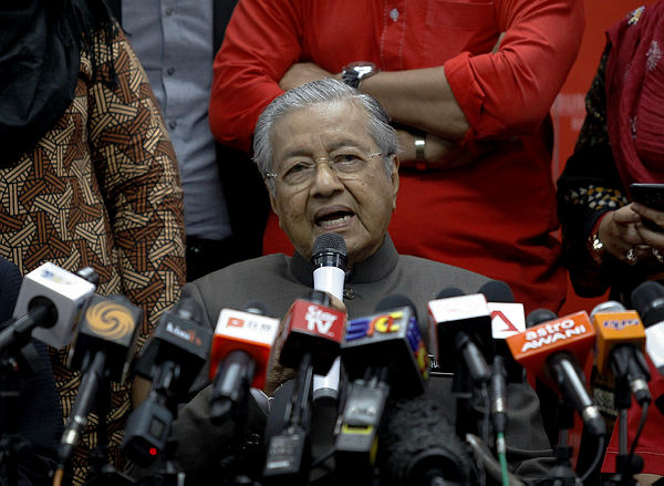 Prime Minister Tun Dr Mahathir Mohamad, who is also Bersatu chairman, speaks during a press conference after chairing a Bersatu meeting at Menara Yayasan Selangor, on Jan 29, 2019. — Bernama