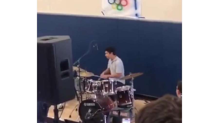 (Video) Schoolboy expelled for playing Pornhub intro song on school talent show