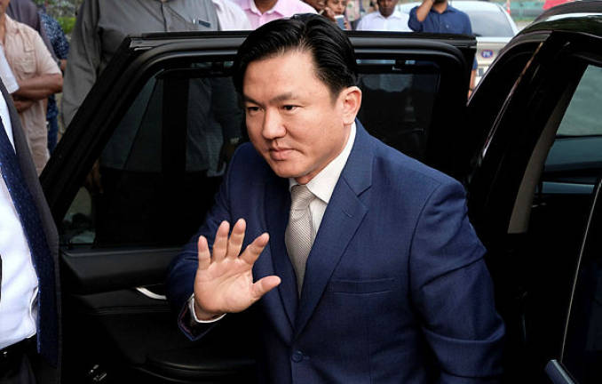 Police conduct detailed probe into burglary at Paul Yong's residence
