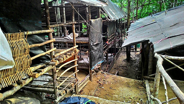 A photo showing the conditions of one of the camps found by VAT 69 personnel on May 25, 2015 — Ihsan PDRM