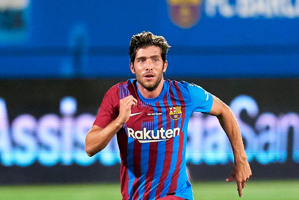 Barcelona have squad to fight for the title, says Roberto