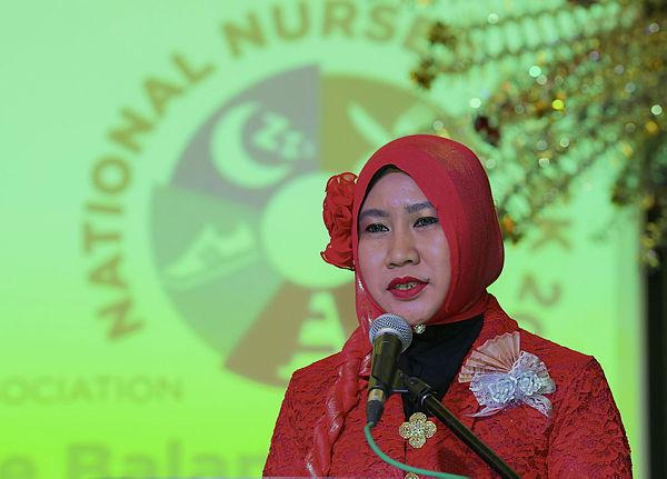 University Malaya Specialist Centre director of nursing Zurainawaty A. Rahman speaks during the Nurses Day celebration in Petaling Jaya. — Bernama