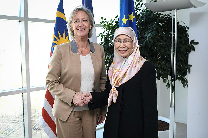 Deputy Prime Minister Datuk Seri Dr Wan Azizah Wan Ismail and French Minister of State for Disabled People, Sophie Cluzel pose for a photo, on March 21, 2019. — Bernama