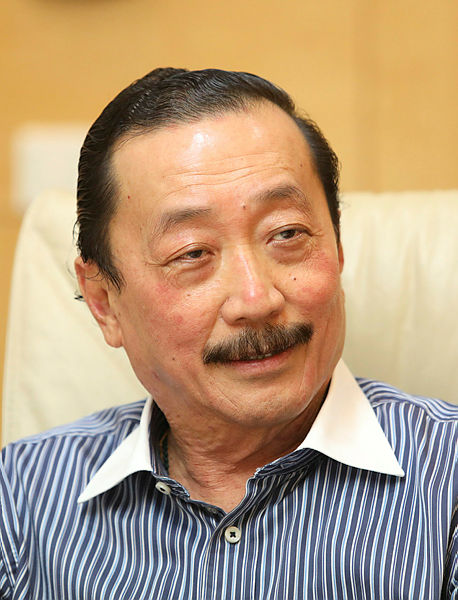 Vincent Tan plans to list U Mobile by 2020, to delist Berjaya Land