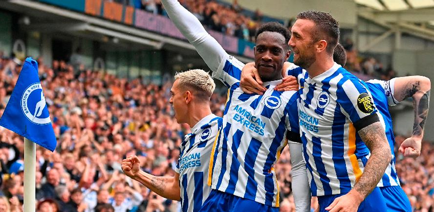 Brighton's Danny Welbeck (centre) celebrates scoring his team's second goal during the English Premier League match against Leicester City. – AFPPIX