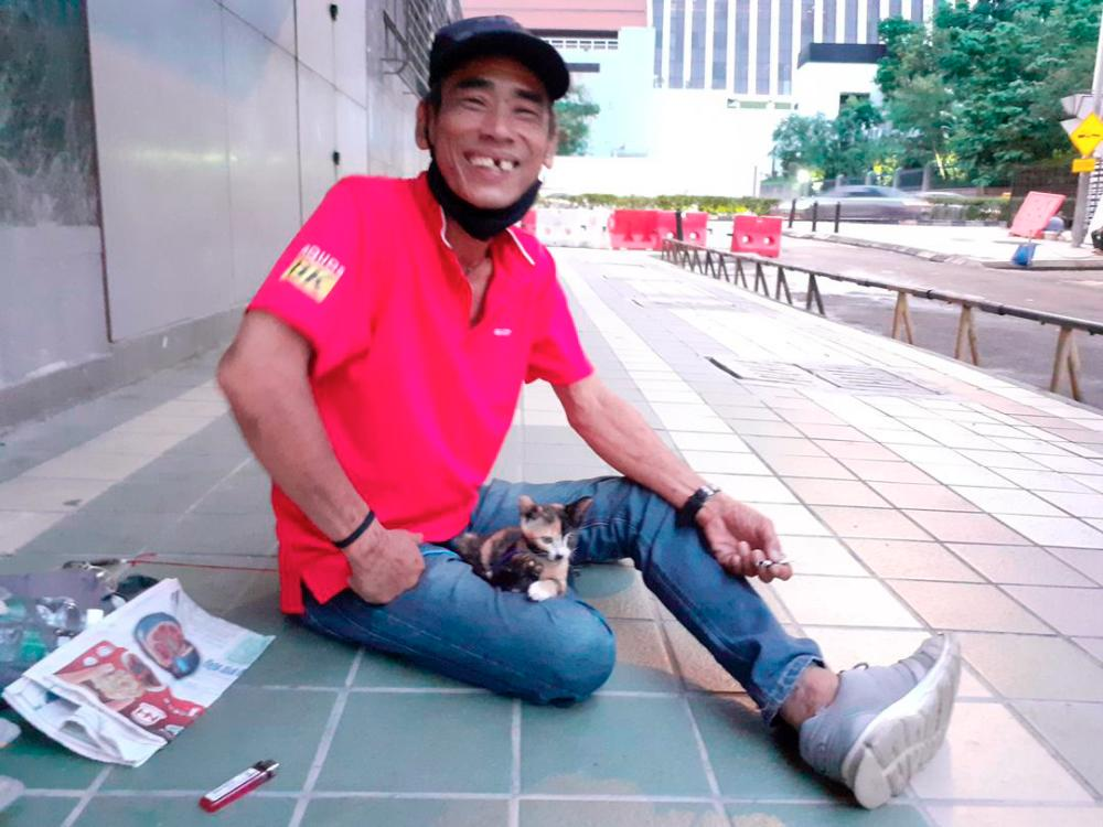 There are more that 2,000 homeless people roughing it out in Kuala Lumpur.