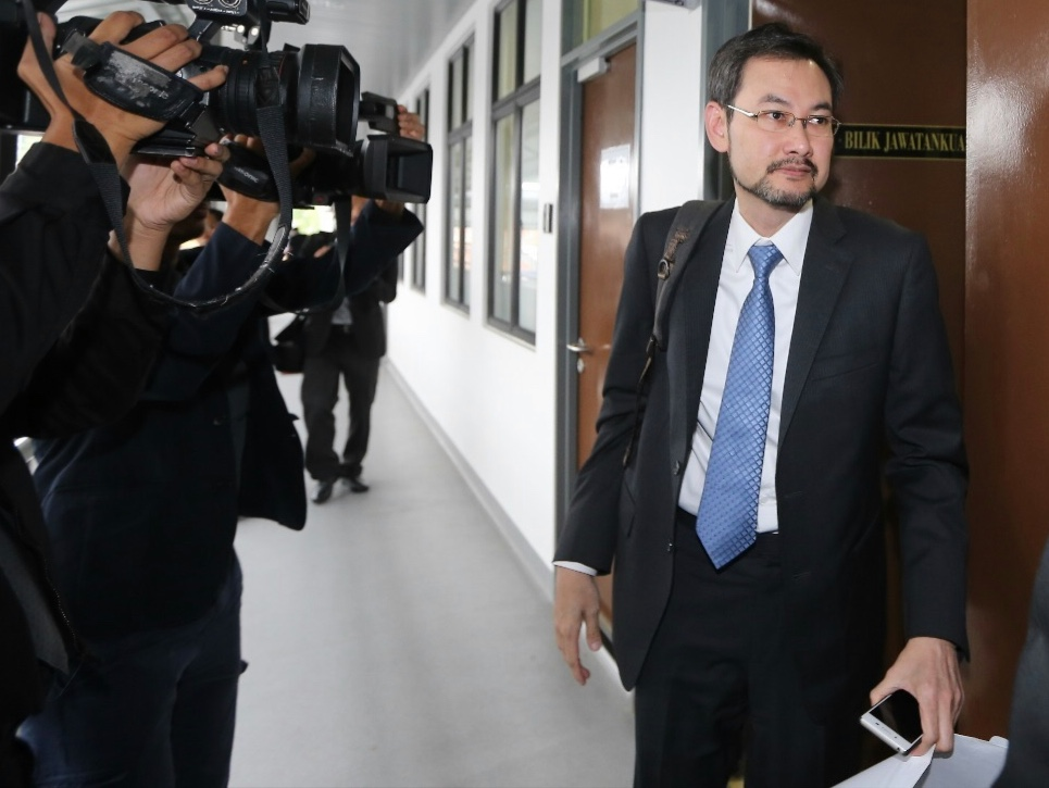 1MDB ex-CEO becomes suspicious of Jho Low when probe begins