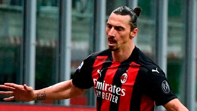 Berlusconi tells Ibrahimovic to spend rest of career at AC Milan